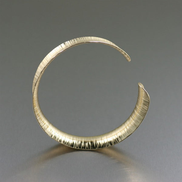 Chased Nu Gold Brass Anticlastic Bangle – Front View