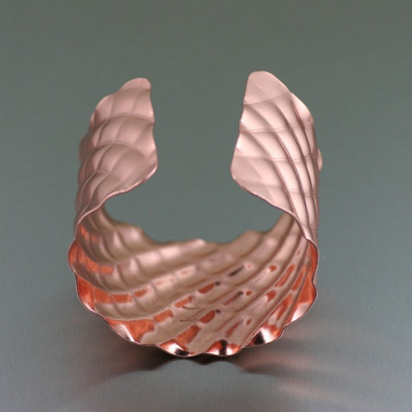 Crisscross Wave Copper Cuff Bracelet – Opening View 2