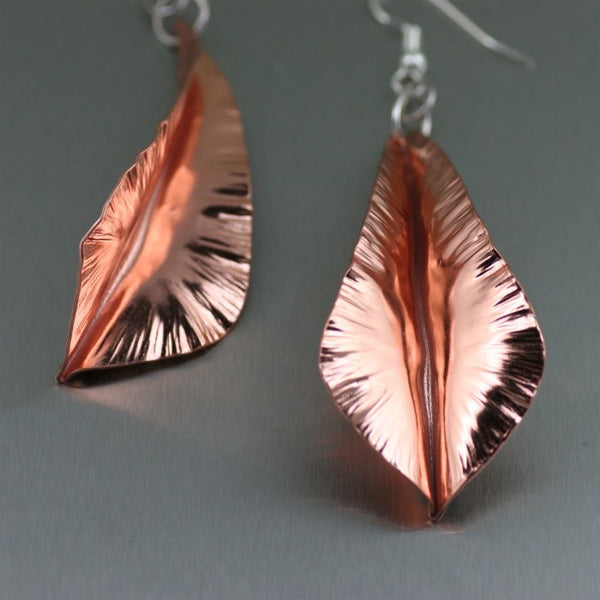 Fold Formed Copper Leaf Dange Earrings – Detail