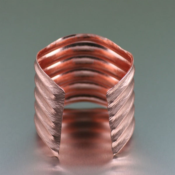 Hammered Copper Wave Cuff Bracelet – Opening 2
