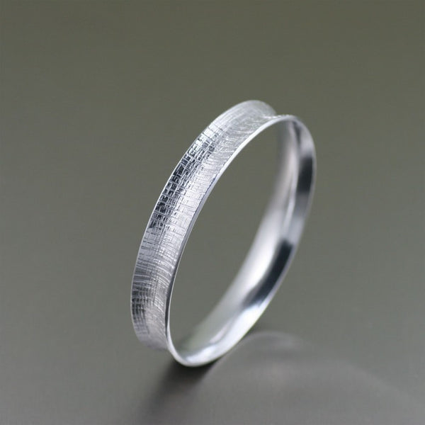 Linen Aluminum Bangle Bracelet – Left Side View