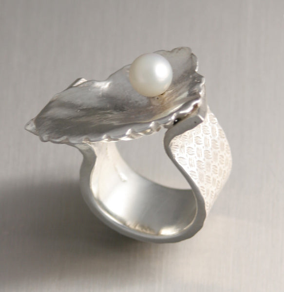 Sterling Silver Shell Ring with Freshwater Pearl