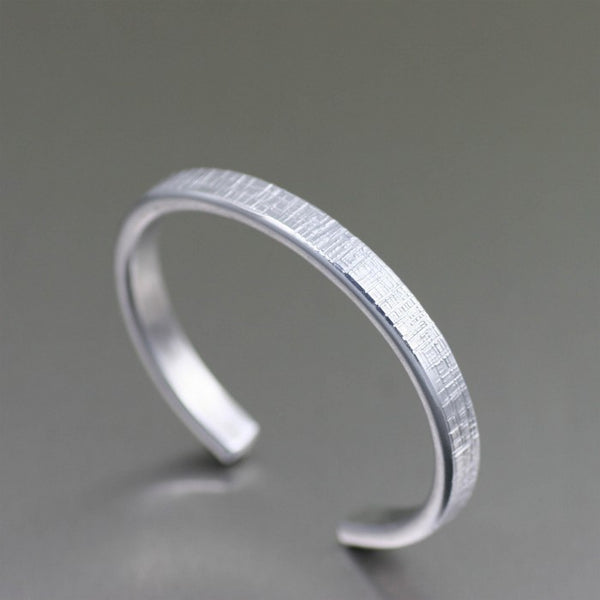 Thin Linen Aluminum Cuff Bracelet – Right Side View