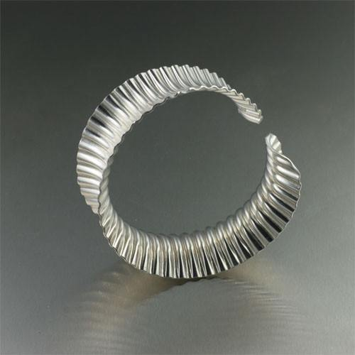 Corrugated Sterling Silver Bangle Bracelet - johnsbrana - 3