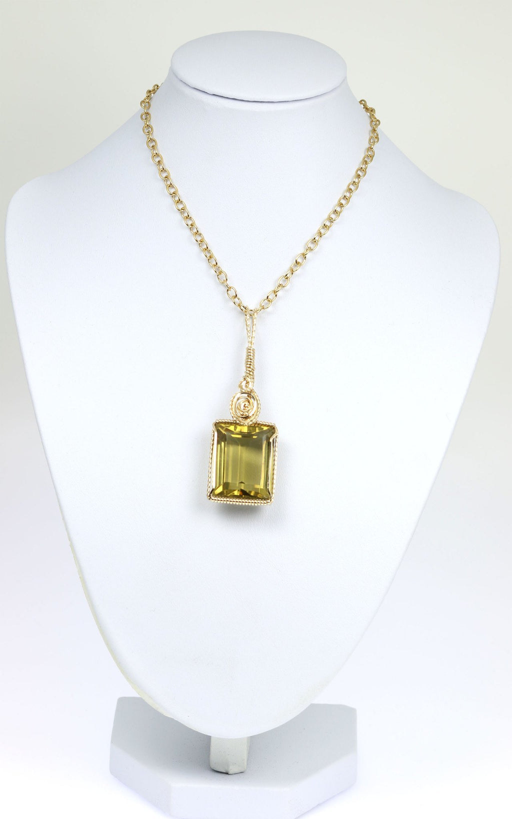 51 CT Emerald Cut Green Gold Quartz 14K Gold-filled Pendant - johnsbrana - 3