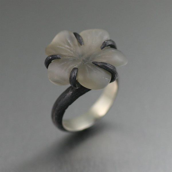 Oxidized Sterling Silver White Agate Flower Ring - johnsbrana - 1