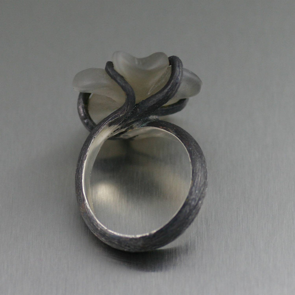 Oxidized Sterling Silver White Agate Flower Ring - johnsbrana - 2