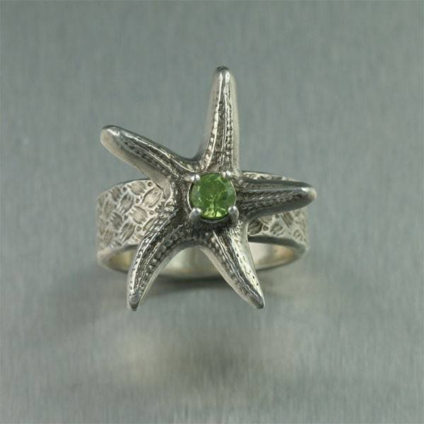 Sterling Silver Starfish Ring with Peridot - johnsbrana - 2
