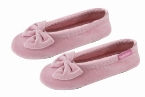Pink slipper for girls by Isotoner