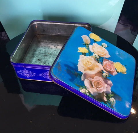 VINTAGE FINDS - FLORAL TIN