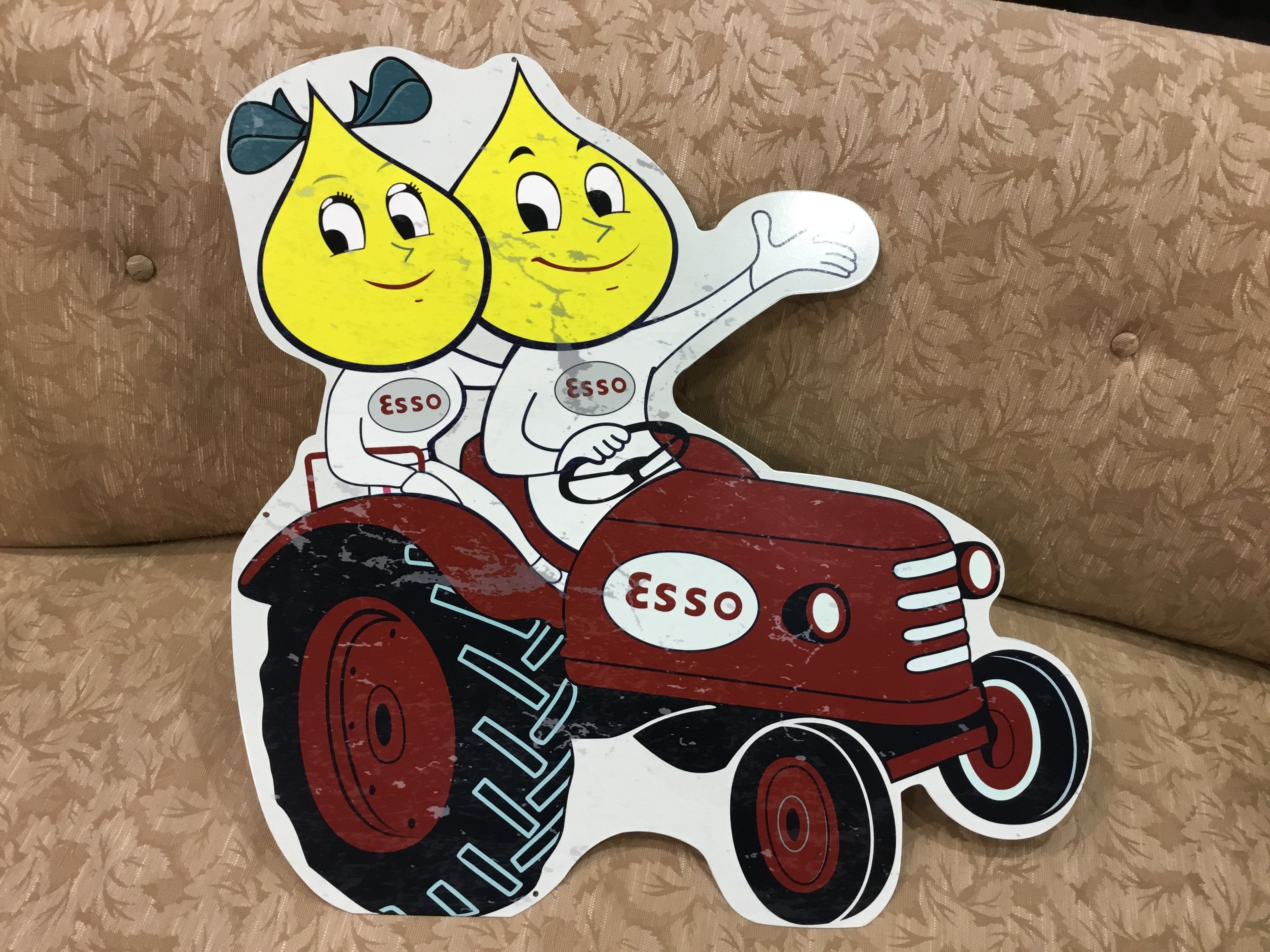 TIN SIGN - Esso tractor