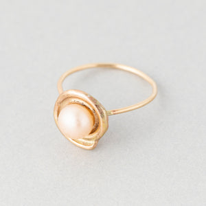 Spiraling Shell and Pearl Ring
