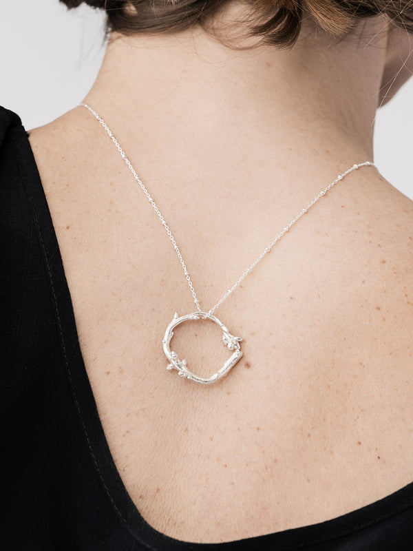 Medium Twig Circle Pendant