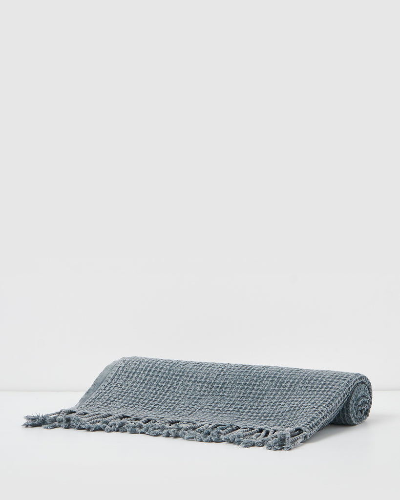 Miz Casa & Co Crete Waffle Throw Teal