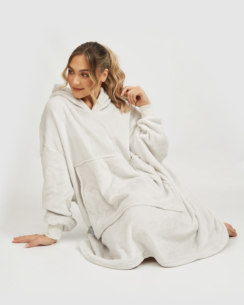 Miz Casa & Co Summer Edition Luxury Hooded Blanket Silver