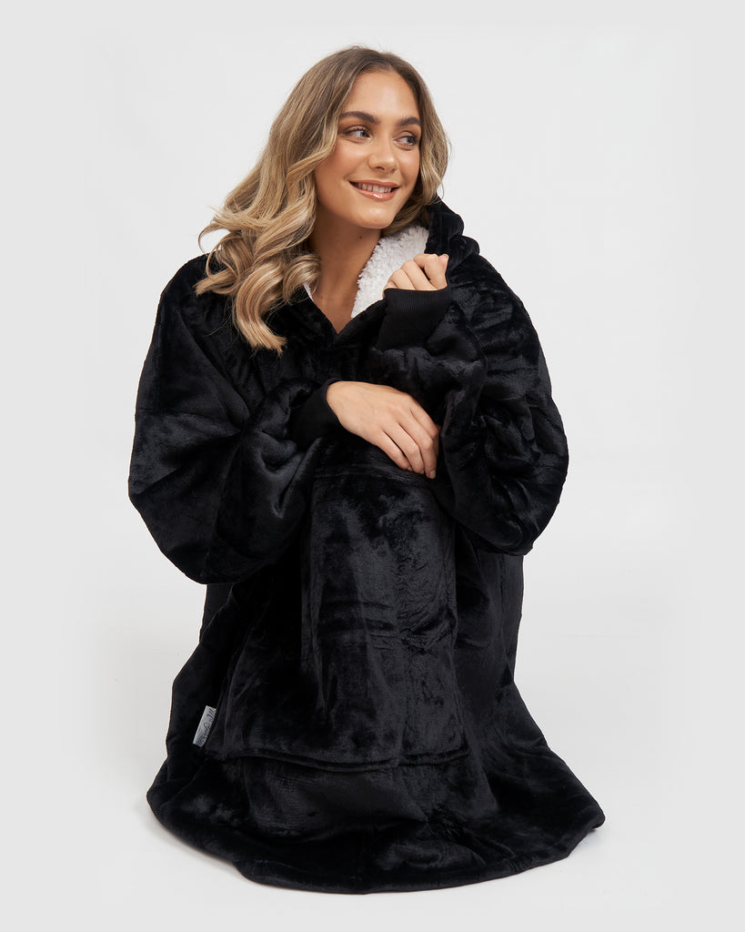 ** PRE ORDER** Miz Casa & Co Luxury Hooded Blanket Black