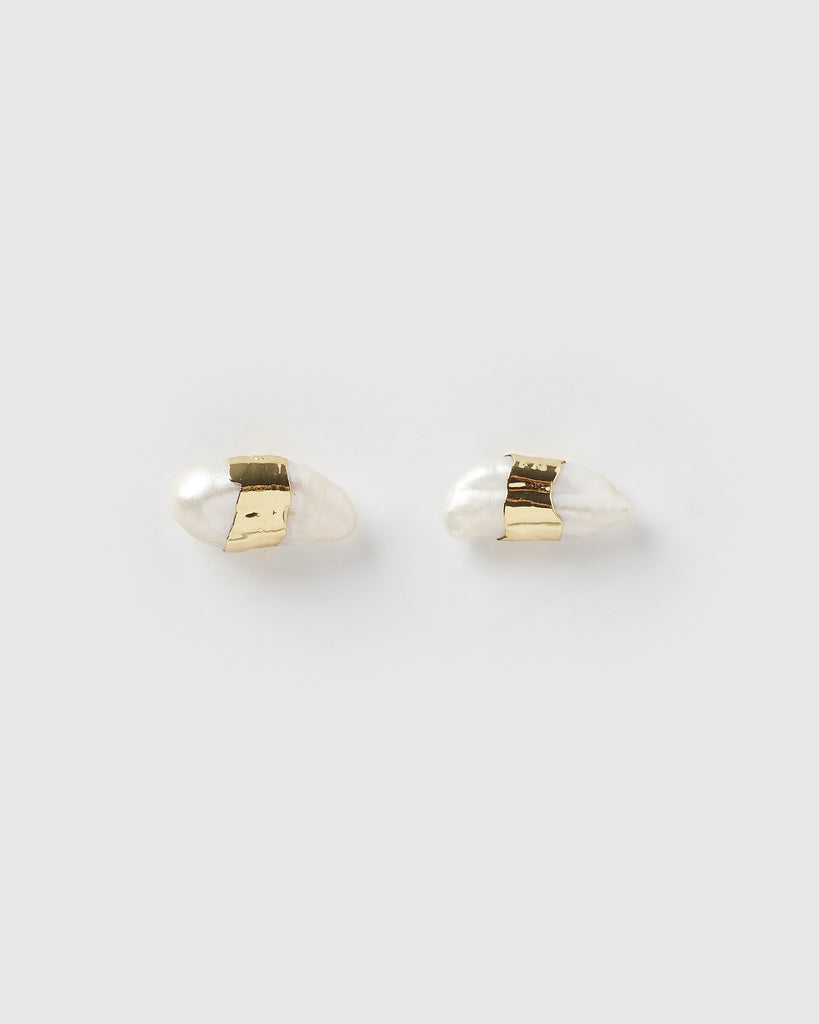 Miz Casa & Co Willa Stud Earrings Gold Freshwater Pearl