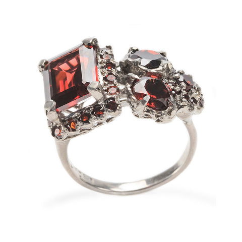 Frozen Ring White Gold Garnet