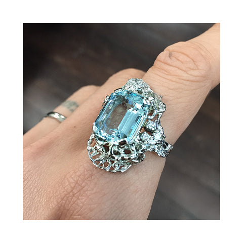 Custom Ring Aqua Diamond