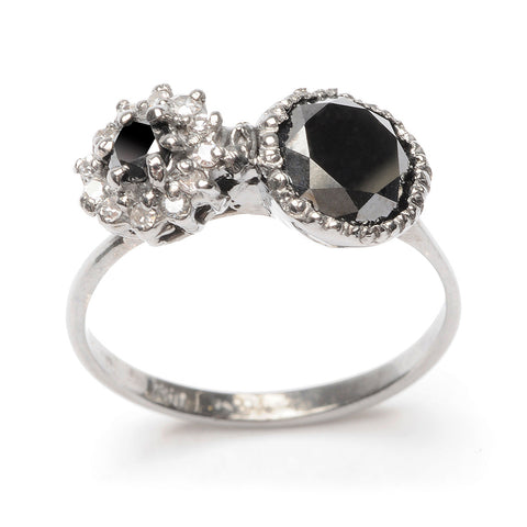 deVille Mourning Ring Black & White