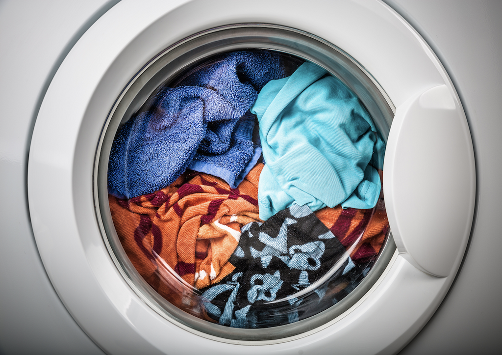 home hacks: washing machine with clothes