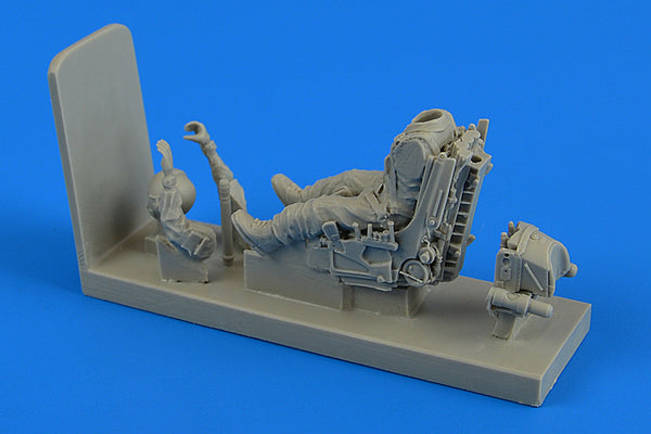1/48 SOVIET PILOT W/ EJECTION SEAT FOR SU-22/SU-25