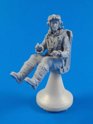 1/32 BRITISH TEMPEST PILOT SITTING SUITS SPECIAL HOBBY KIT
