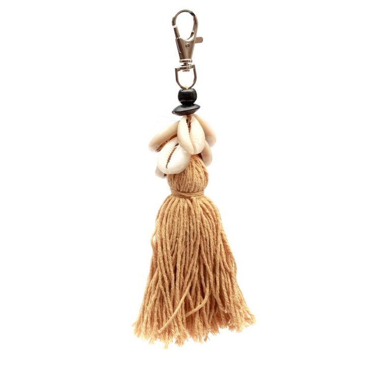THE COWRIE TASSEL KEYCHAIN-  MOCCA