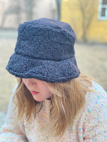 TEDDY BUCKET hatt I BLACK