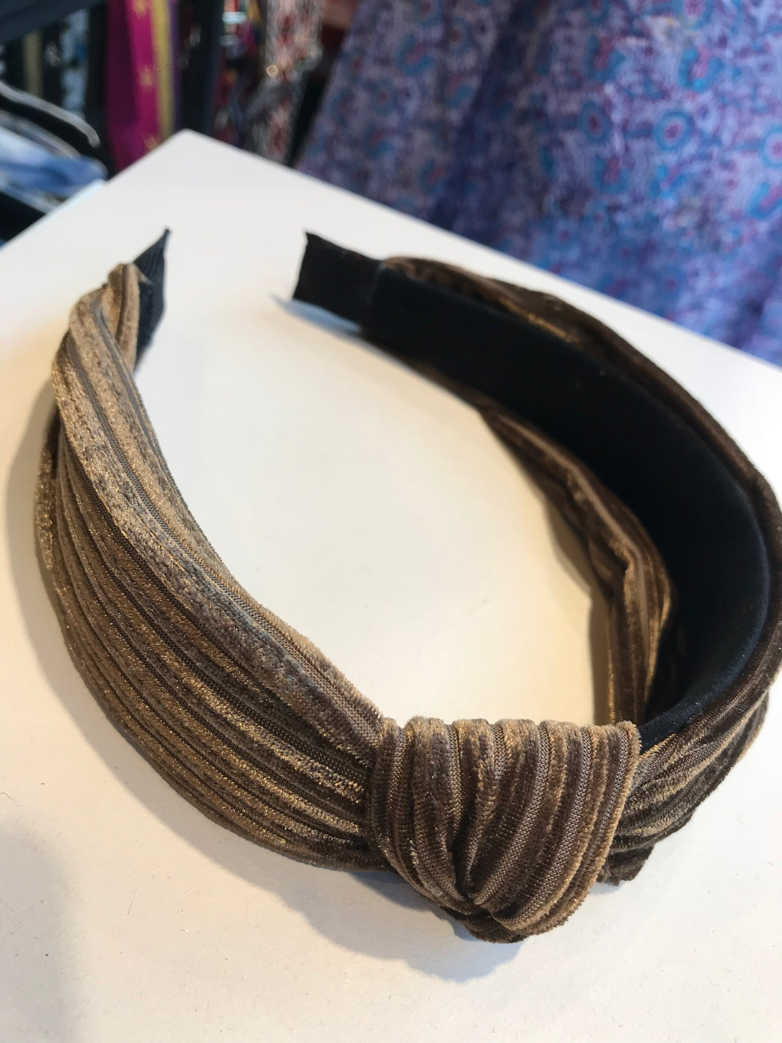 The ribbed love knot headband