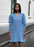 RITA dress i pale denim  fra Miss Maya
