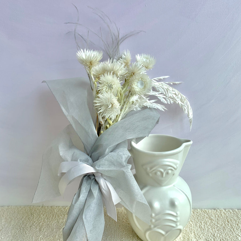 A White Breeze Mini Bouquet