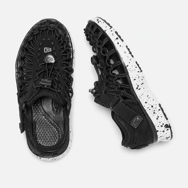 KEEN LITTLE KIDS' UNEEK O2 - BLACK/ WHITE