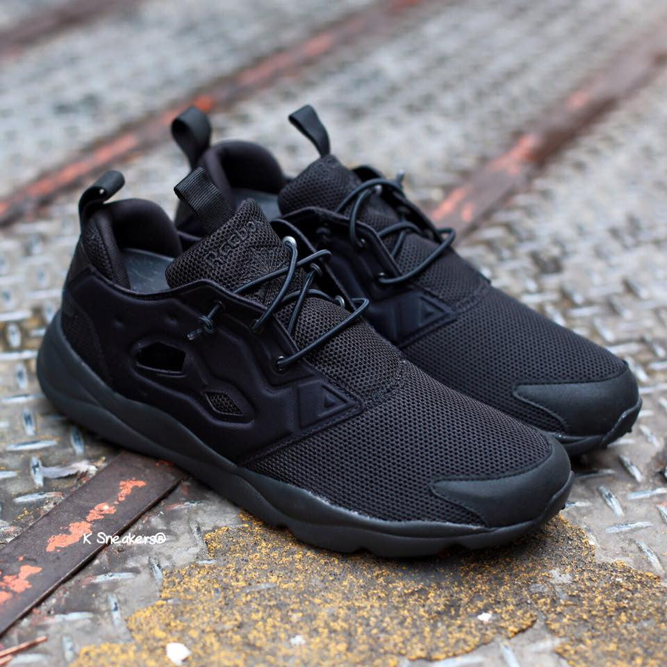 hot sale online 63964 9a502 reebok furylite triple black