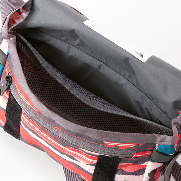 PRE ORDER - THE NORTH FACE SHOULDER POUCH 2.5L