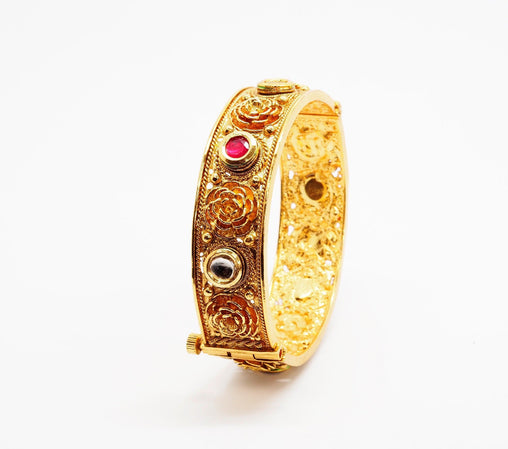 Openable Gold finish Kada Bangle - Various sizes - Bollywood - Weddings -  AE7105 T0919 - Prachy Creations