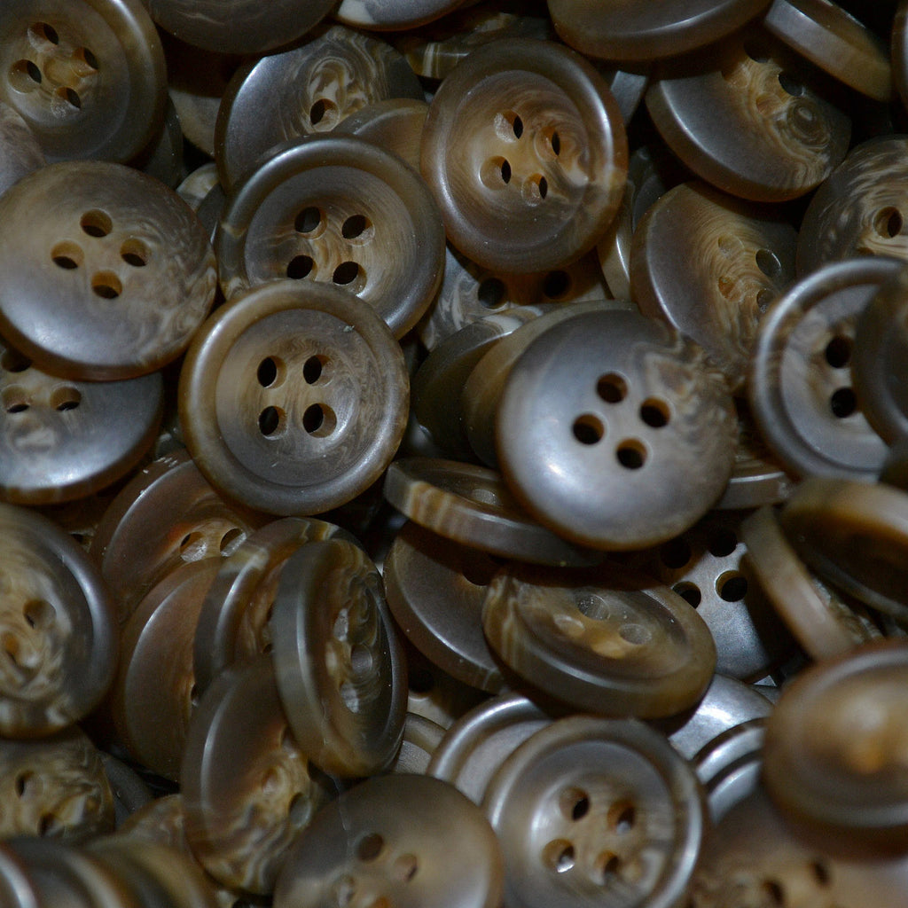 Brown Resin Pimbo Buttons – Small (24 Ligne)