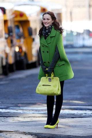 Blair Waldorf Green coat modest woman take a look in the closet of blog nesci modest fashion