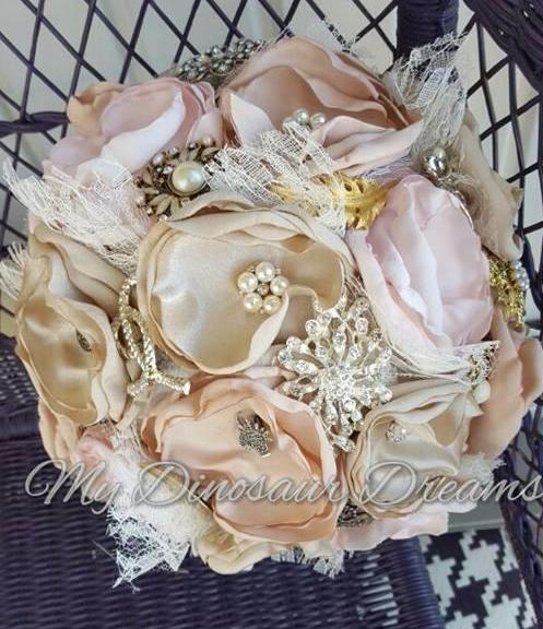 Shabby Brooch Bouquet