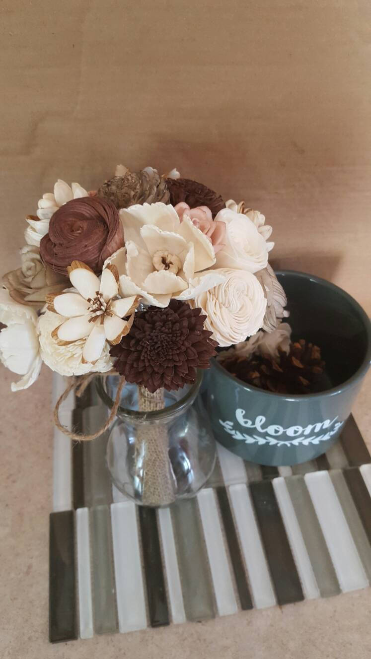 Neutral zone decor bouquet