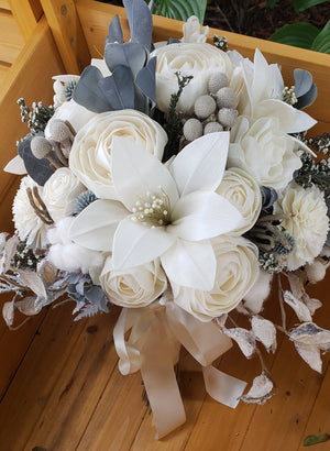 Winter Lily Bouquet