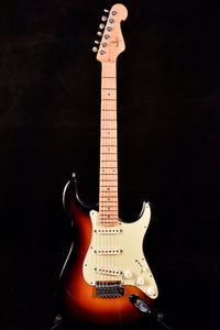Magnus Strat type guitar Sunburst