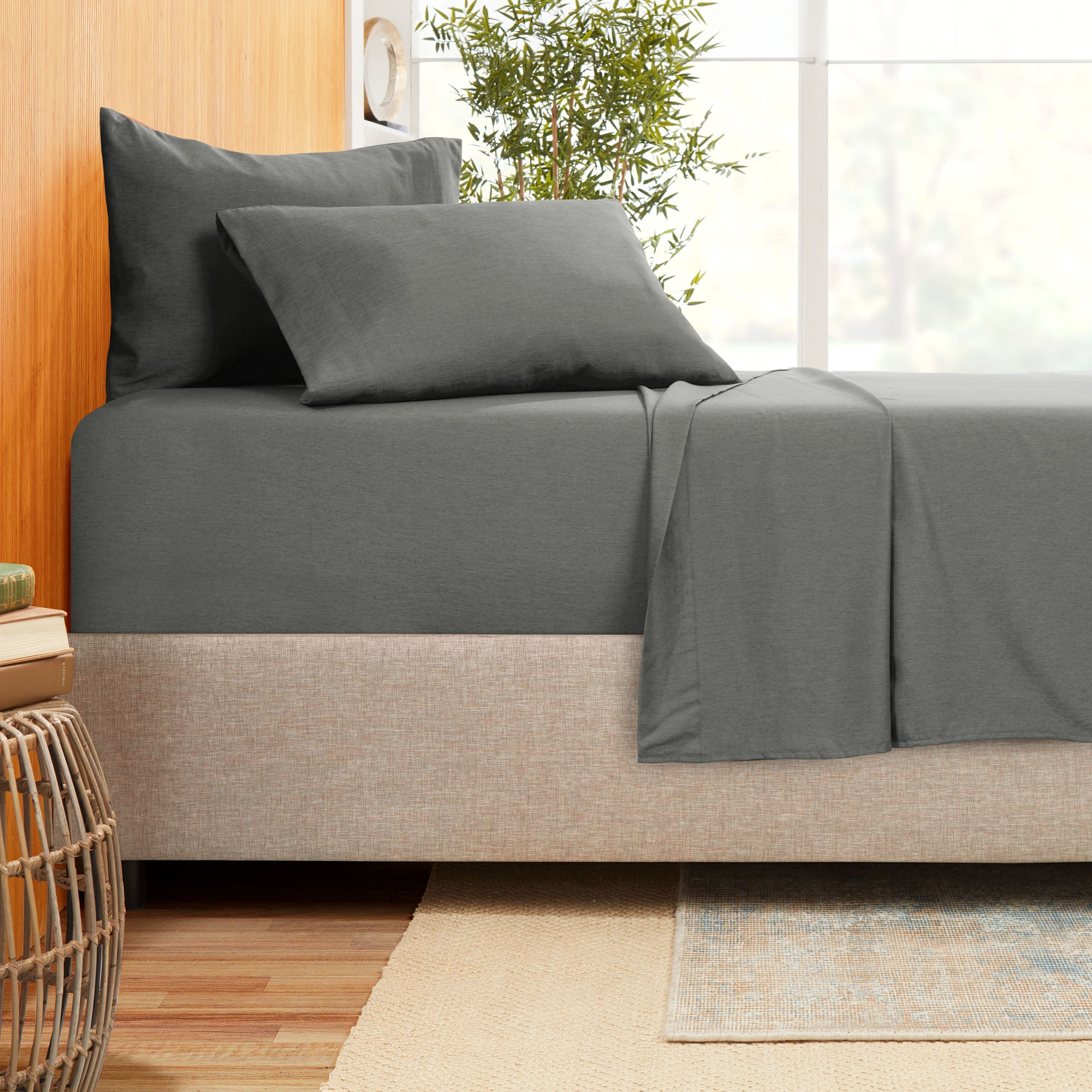 Bamboo Blend Hotel Luxury 4pc Bed Sheets - Extra Soft Bamboo and Microfiber Blend - Breathable & Cooling Sheets - Wrinkle Free - Comfy