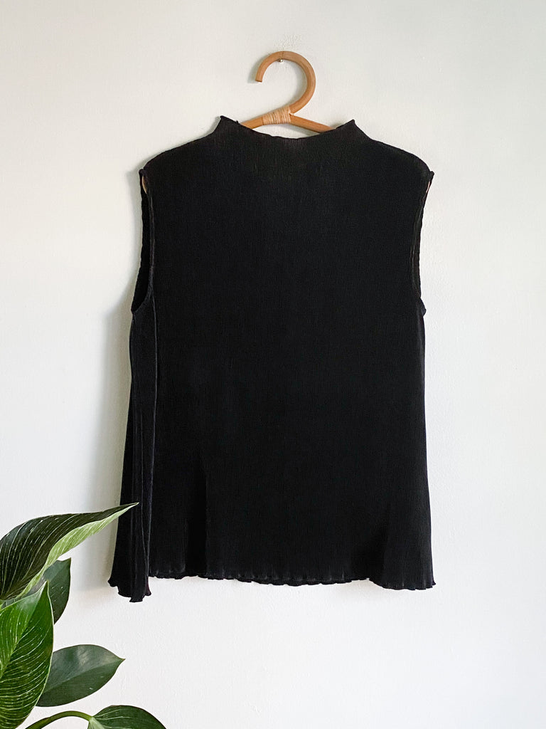 BF Black Ribbed Tank With Lettuce Hem