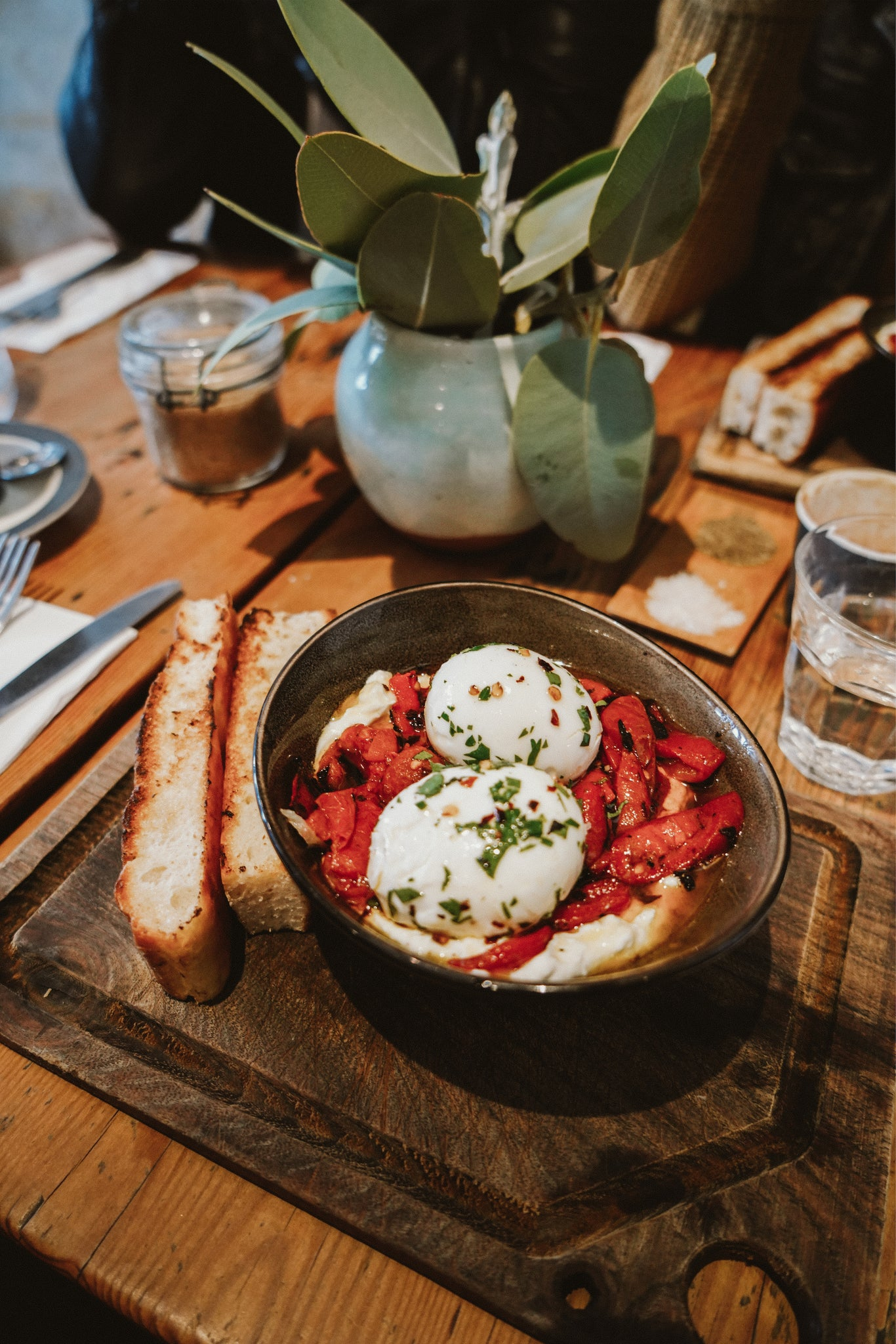 What to do in a weekend in Sydney Australia featured by Promptly Journals: where to eat in Sydney