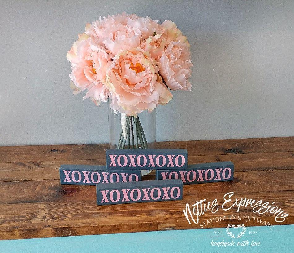 OXOXOXOXO - Rustic Wood Sign - Netties Expressions