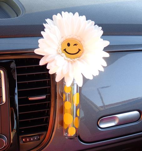 VW Beetle Flower - Happy Face Daisy with Universal Vase