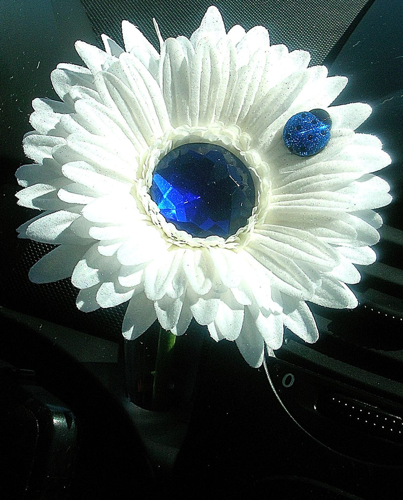 VW Beetle Flower - White and Blue Bling Daisy