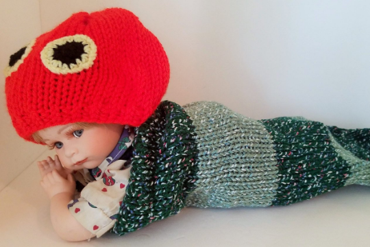 Newborn Baby Caterpillar Cocoon with Caterpillar Head Hat, Handmade