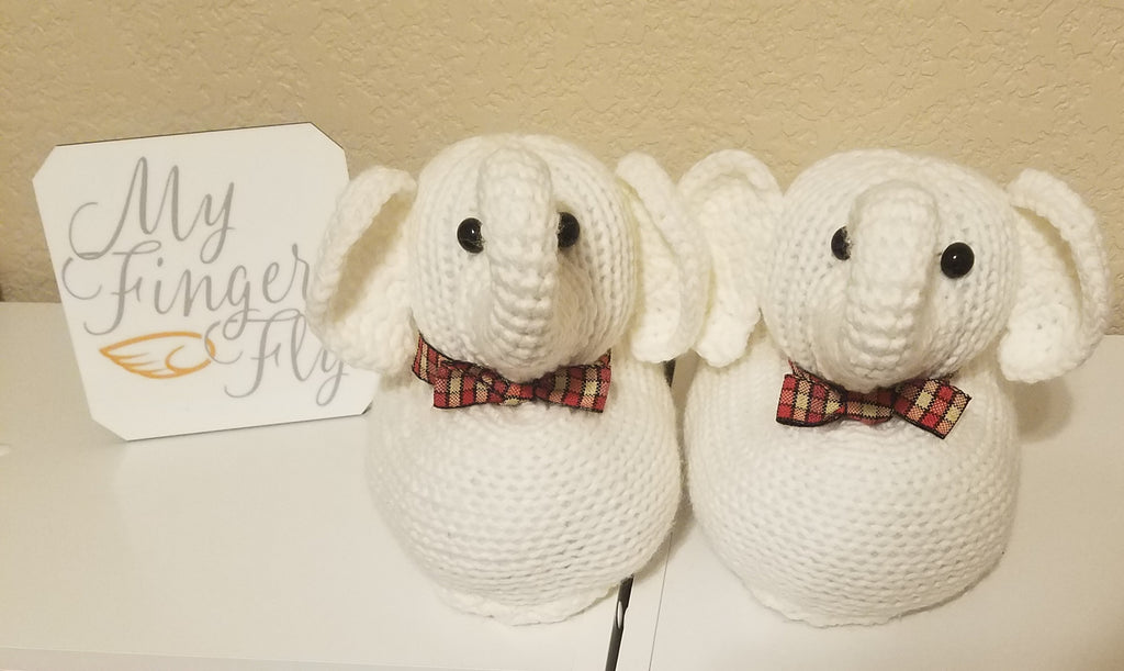 White Elephant Christmas Slippers Pattern for Addi Pro - Ladies' Size 6-7